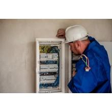 Curso de Operaciones auxiliares en el mantenimiento de equipos eléctricos con créditos universitarios