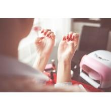 Curso de Seguridad y salud en los cuidados estéticos de manos y pies a distancia con prácticas